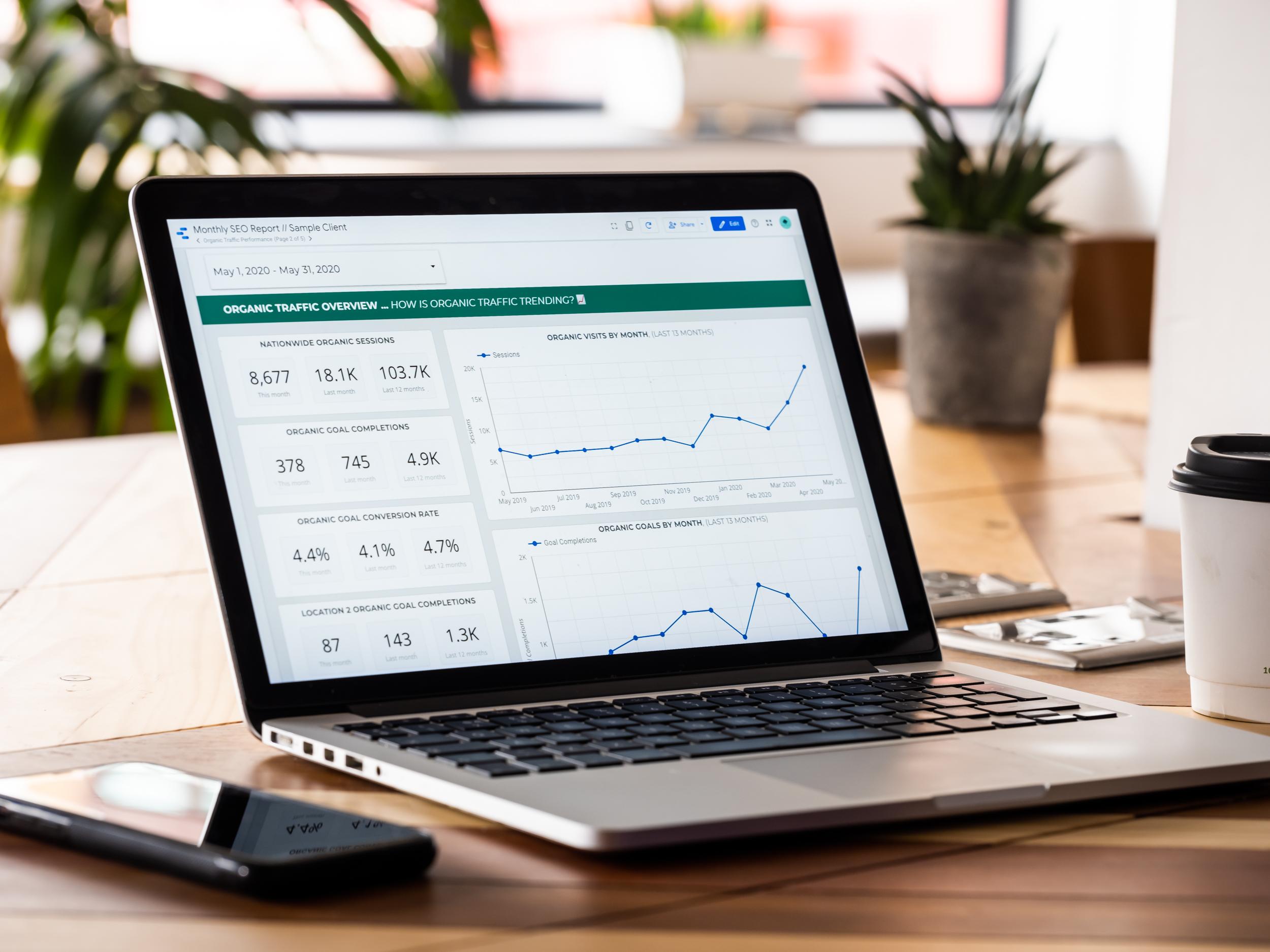 Organic Traffic Overview - Google Data Studio - Effective Digital Marketing